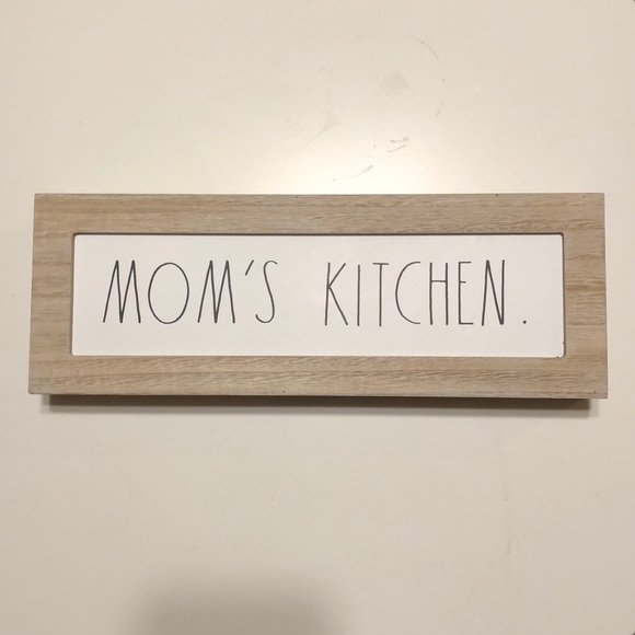 """New Rae Dunn """"Mom's Kitchen"""" Sign"""